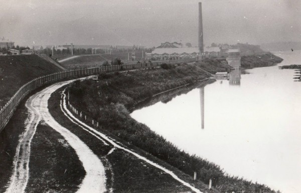 Рублёвская станция водоподготовки. Водоприёмник и Первое машинное здание. Фотография примерно 1903 г.