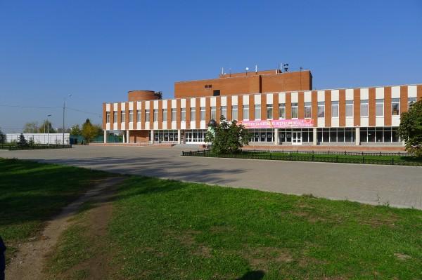 Дом культуры, теннисный корт, октябрь 2010 года