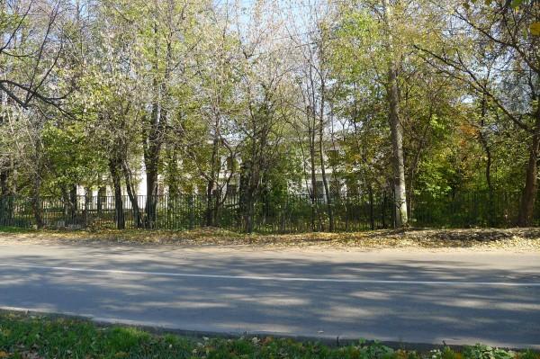 ул.В.Ботылёва, старый детский сад. Октябрь 2010 года